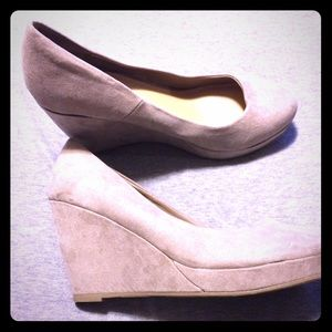 Shoes - Beige wedges